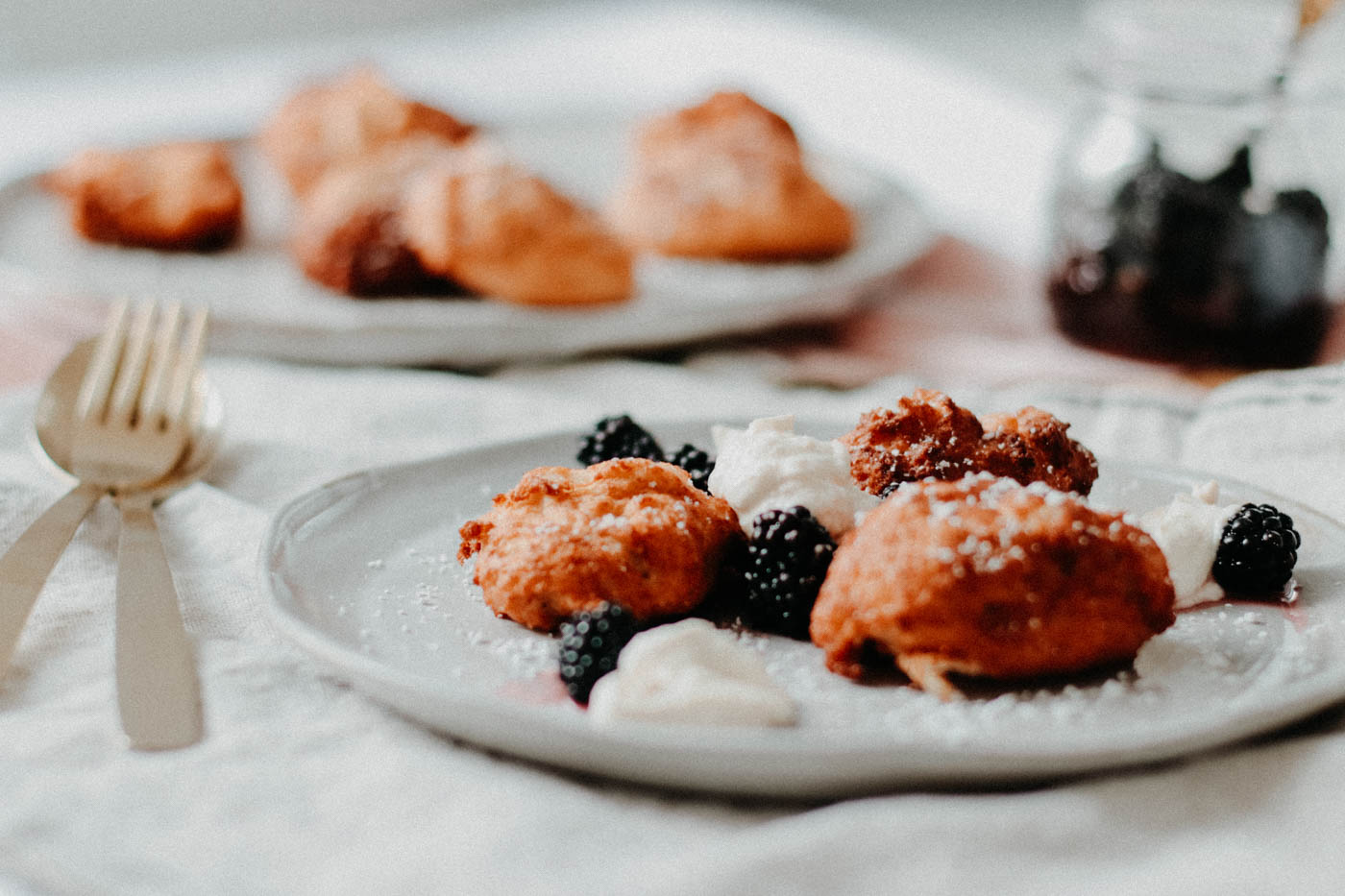 {low-carb} Baci di Ricotta with Gin-marinated Blackberries