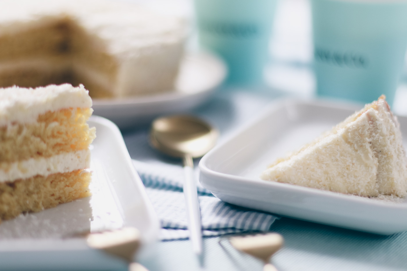 {Low-Carb} Coconut Cake